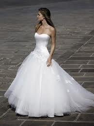 Un grand choix de modles de robes pour un mariage