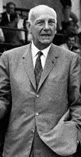 Le 26 juin 1970, il devient président du Paris SG, il s'agit de ?
