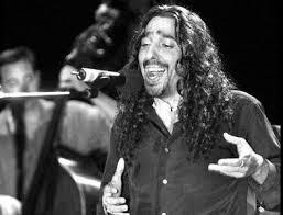 Un cantante de flamenco es