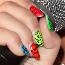 Wie van lm is dit de nagels ?