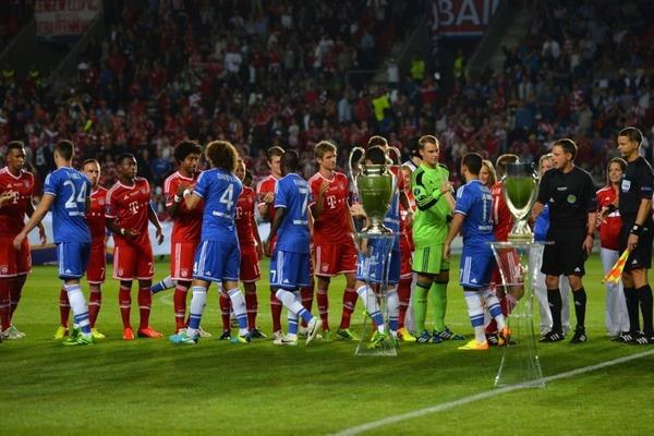 Ktorý hráč bol vylúčený v zápase Superpoharu v roku 2013 proti Bayernu?