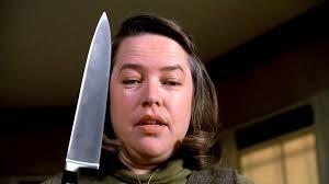 Katy Bates campe le rôle d'une psychopathe dans quel film ?