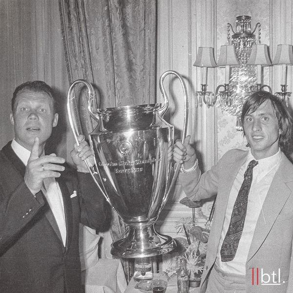 Avec l'Ajax, combien de fois consécutives Johan remportera-t-il la  Coupe d'Europe des clubs champions ?