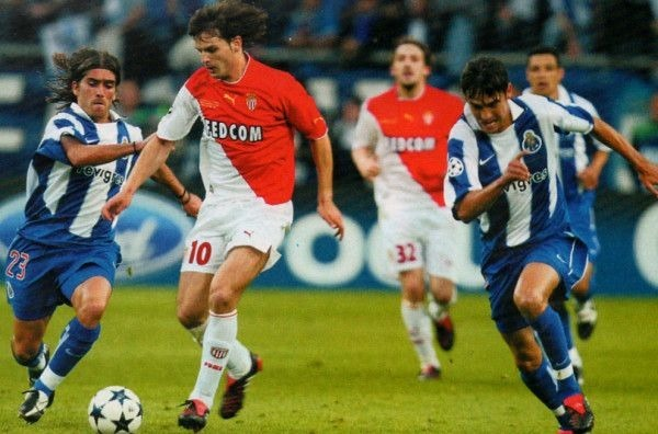 Sur quel score les monégasques s'inclinent-ils en finale de Champions League 2004 face au FC Porto ?