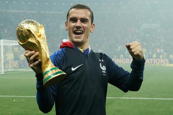 En gagnant 4-2, l'équipe de France remporte son 2e Mondial. Quel français ne marque pas de but pendant cette finale ?