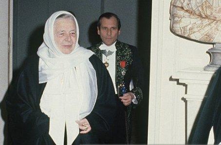 Laquelle de ces femmes fut la première élue à l'Académie Française ?