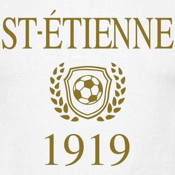 En 1919, le club est fondé sous le nom d'« Amicale des employés de la Société des magasins ...... »