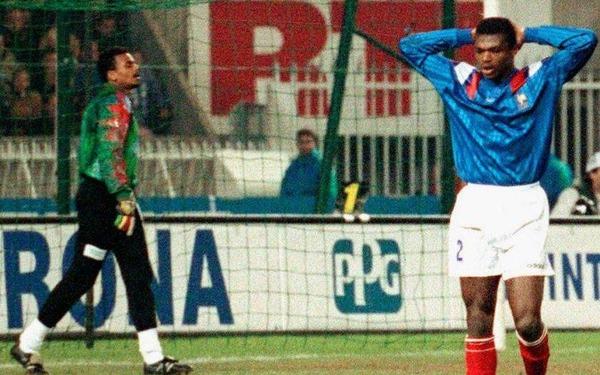Quel futur champion du Monde 98 ne faisait pas partie du groupe France ce soir-là ?