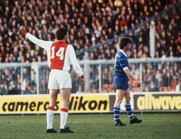 En 1973, pour quel club européen a-t-il quitté l'Ajax Amsterdam ?