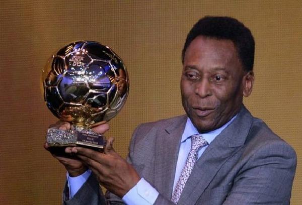 En 2014, il est récompensé par un Ballon d'Or d'honneur.