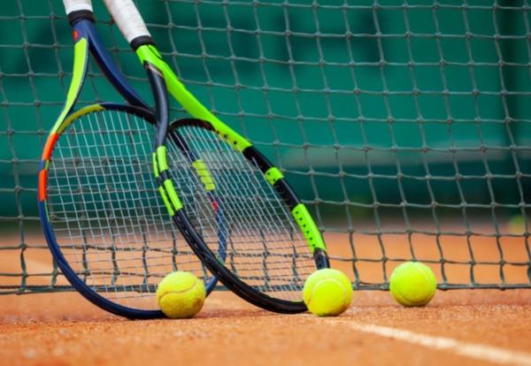 """Comment dit-on """"tennis"""" en espagnol ?"""
