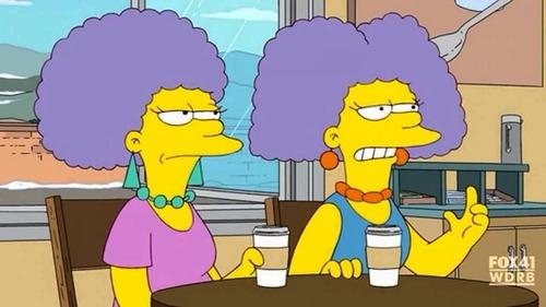 Patty et Selma sont les grandes soeurs jumelles de Marge.