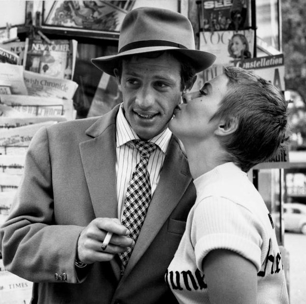 """Qui réalise le film """"A bout de souffle"""" qui va le révéler en 1960 ?"""