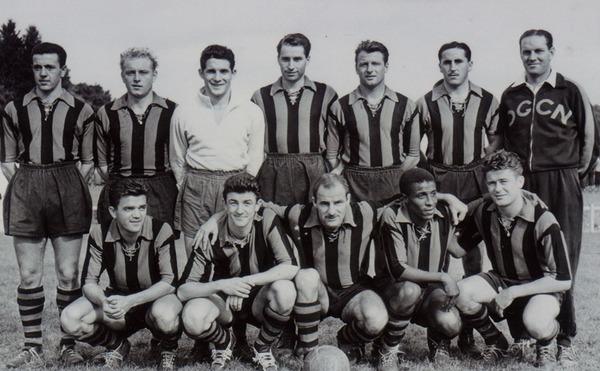 En 1956, les niçois remportent leur 3e titre de Championnat de France en devançant d'un petit point ......