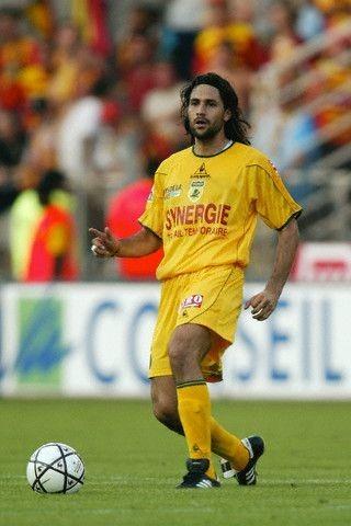 Pour quelle sélection nationale le défenseur Mario Yepes jouait-il ?