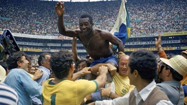 Sur quel score le Brésil bat-il l'Italie ?