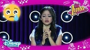 Que canción canta Luna referente a su pasado ?