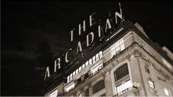 Quelle particularité possède l'hotel Arcadian que Ted veut détruire pour y construire le nouveau siège social de la GNB ?