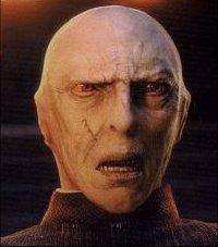 A bölcsek kövében kinek volt a második arca Voldemort?