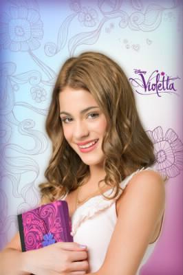 Comment s'appelle Violetta dans la  vraie vie ?