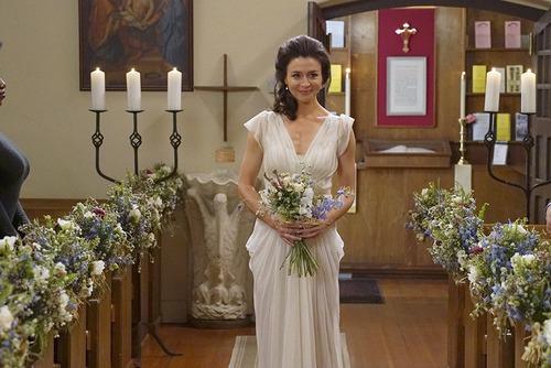 Dans la saison 12 avec qui Amélia Shepherd se marie-t-elle ?