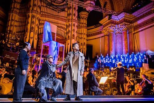 Ça commence comme à l'opéra, ça finit comme à l'apéro (Patrick Sébastien).