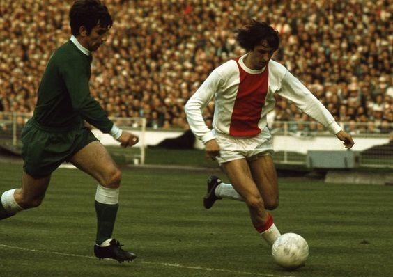 Cruyff et l'Ajax pratiquent à cette époque ce que l'on a appelé.....