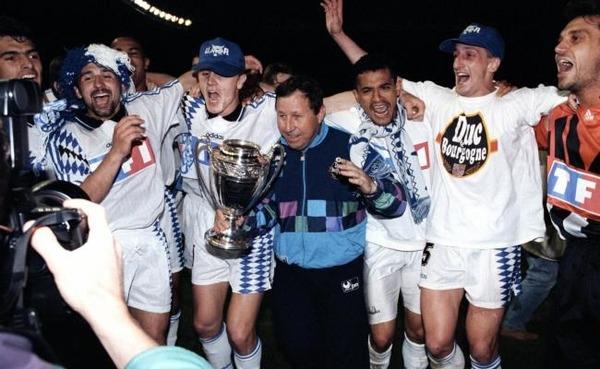 Le 14 mai 1994, contre quelle équipe l'AJA remporte-t-elle sa première Coupe de France ?