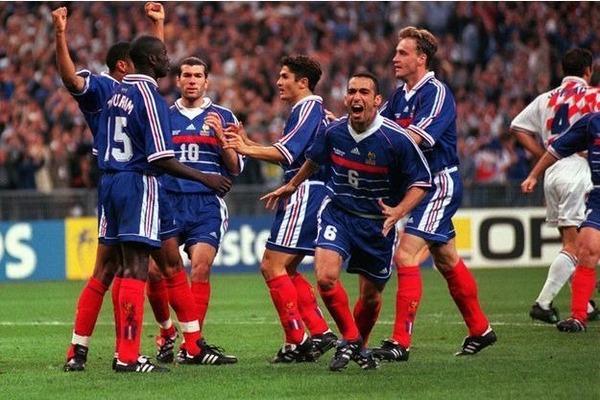 La France se qualifie pour la finale d'un Mondial pour ...