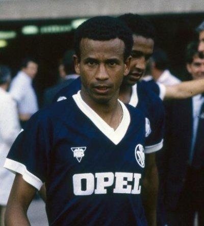 Les Girondins de Bordeaux est le dernier club pro de la carrière de Jean Tigana.