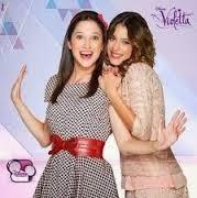 Qual o nome da presonagem que Violetta e Francesca finge ser ?