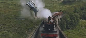 Comment s'appelle le train qui mène à l'école ?
