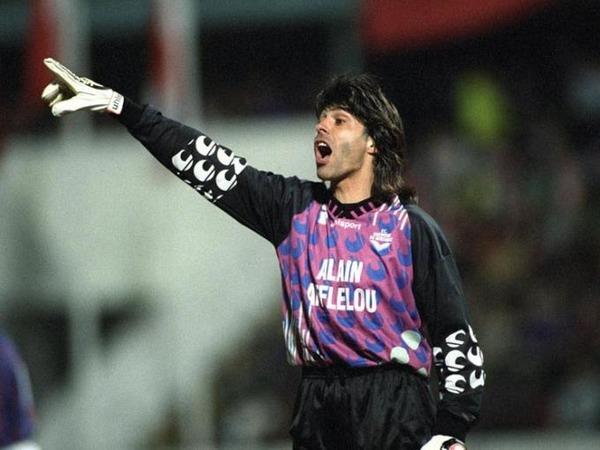 En Championnat, quel record le gardien Gaëtan Huard détient-il avec les Girondins ?