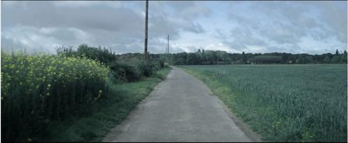 """Vous avez sûrement dû entendre plusieurs fois la chanson """"Sur ma route"""". La photo est une image du clip. De qui est cette chanson ?"""