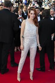 Comment s'appelle l'actrice de Bella ?