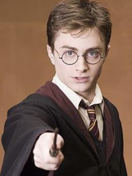 De quelle forme est la cicatrice d'Harry Potter ?