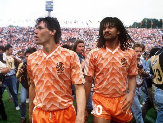 Lequel termine meilleur buteur de l'édition 1988 avec 5 buts ?