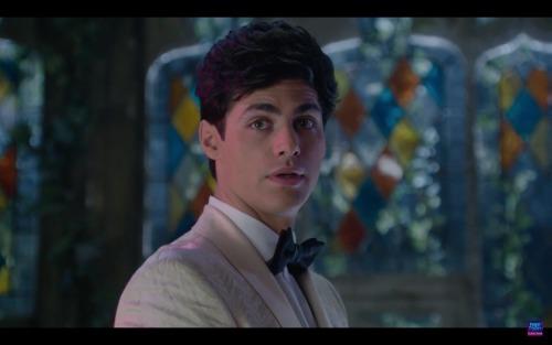 Comment s'appelle la personne pour qui Alec refuse de sa marier ?