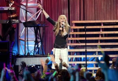 Dans quel concert voit-on Hannah habillée de la même façon ?