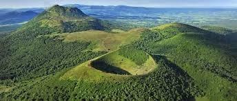 A quand remonte la dernière éruption des volcans d'Auvergne ?