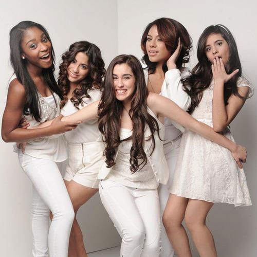 ¿Quien de las chicas se le olvido la letra de stronger en the X Factor?