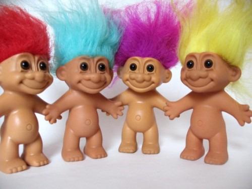 Nom donné à ces petites figures aux cheveux flashis ? Les ...