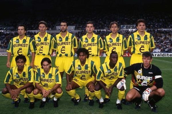 Quel record le FC Nantes réalise-t-il lors de la saison 1994-1995 ?