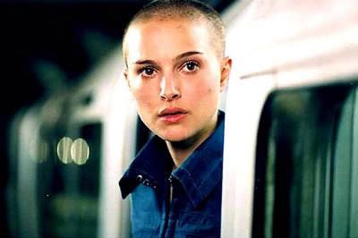 Dans quel film Natalie Portman apparait en étant chauve ?