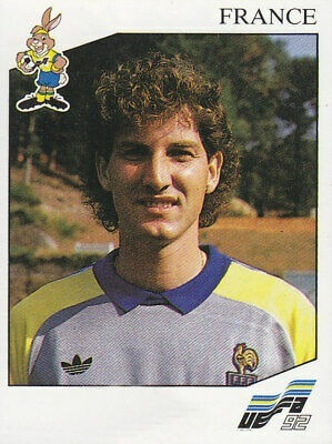 Il faisait partie des 3 gradiens sélectionnés à l'Euro 92, il s'agit de ?