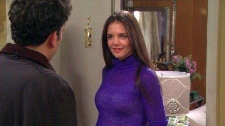 Quel costume porte la fille que Ted attend à chaque Halloween ?