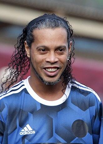 Quand Ronaldinho a terminé sa carrière ?