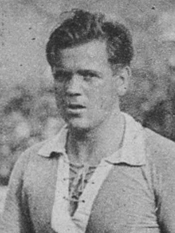 Auteur de 118 buts dans les années 30 il est, aujourd'hui encore, le meilleur buteur du RCS. Il s'agit de ?
