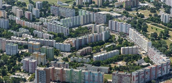 Ako sa nazýva najväčšie slovenské sídlisko, ktoré sa nachádza v BA?