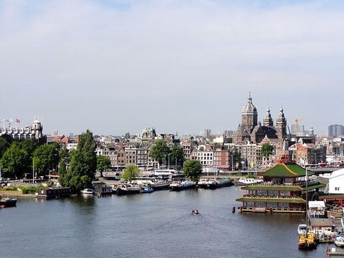 Amsterdam est la capitale...